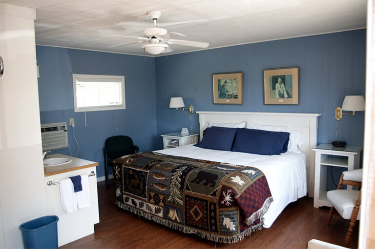 Grandview Motel in Tobermory, Ontario - Rooms & Accommodations - King Size Rooms