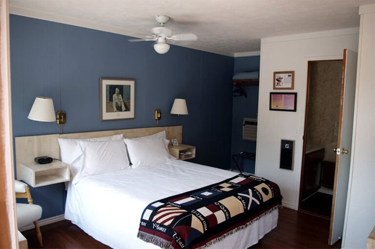 Grandview Motel in Tobermory, Ontario - Rooms & Accommodations - Queen Size Rooms